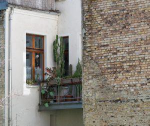 mały balkon w bloku też można ciekawie zaaranżować